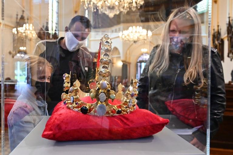 Výstava kopií korunovačních klenotů